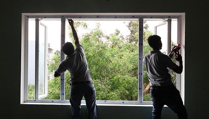 بازسازی در و پنجرههای قدیمی